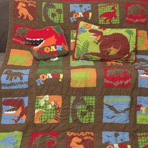 Kids Circo Dinosaur twin size quilt set